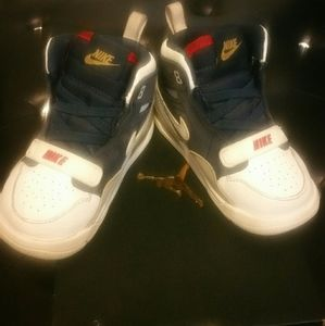 Boy's toddler Jordan gymshoes!!!